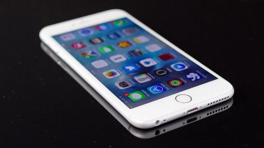 iPhone Satışları Düşüşe Geçti
